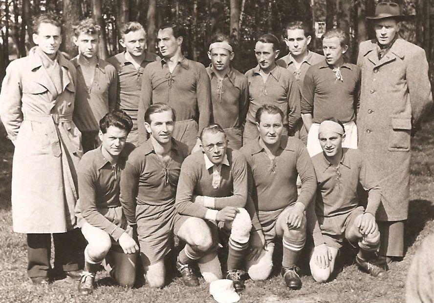 Kreismeister 1953, aufstieg in die Bezirksklasse  Foto: Herforder Kreisblatt